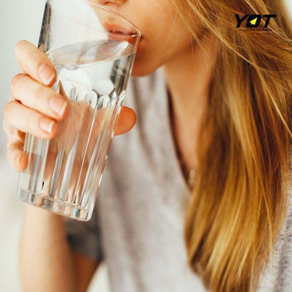 3 manfaat air putih untuk wajah lebih ampuh daripada skincare loh